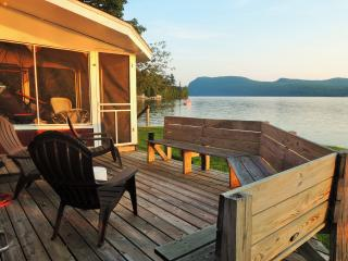 Simply Spectacular Lakefront Cottage on Willoughby, Westmore