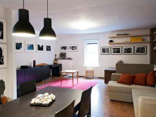 Artist's apartment on the hillside of Budapest, Boedapest