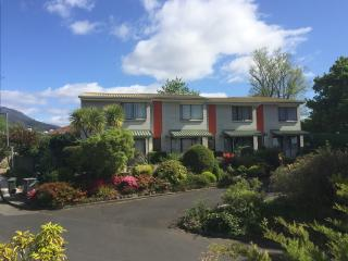 Davey Place Holiday Townhouses -4 Star Serviced