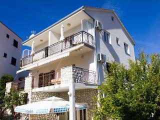 TH01857 Apartments Šušnjara / One bedroom A1, Okrug Gornji