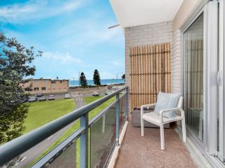 Dee why beach pad - Newly renovated