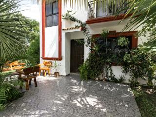 Private 4 BR  Villa  upscale gated Community, Cancun