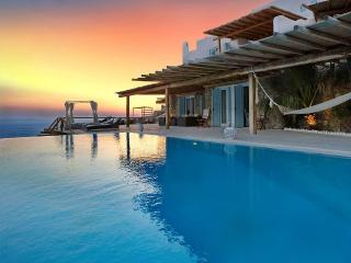 Blue Villas | Fanari Retreat | Ideal For Big Group, Ciudad de Míkonos