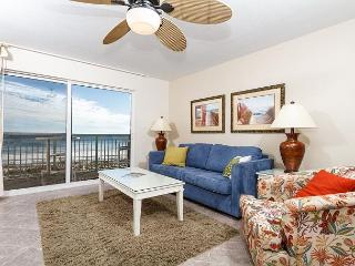 PI 204: Amazing 2nd floor condo with comfy furnishings, direct BEACH FRONT!