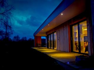 The Granary, luxury modern timber holiday home, Talaton