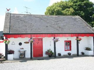 Shannon Breeze Traditional Irish Cottage, Portumna