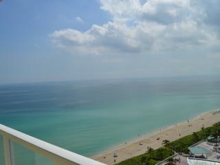 STUNNING, MODERN OCEANFRONT CONDO - AMAZING VIEWS!, Sunny Isles Beach