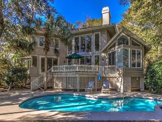 9 Loblolly- 4 Bedrooms, quick bike ride to beach,Harbourtown & South Beach, Hilton Head