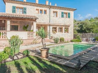 Stone Charming Mallorcan House. Swimming pool, Puigpunyent