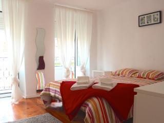 Grey Mustard Apartment, Bairro Alto, Lisbon, Lisboa