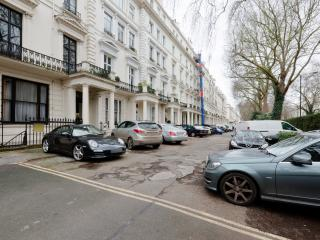 3 Bed/4 Bath flat in Bayswater Central London