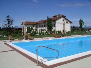 """suite """"Jardin de Bagatelle"""" in villa in Monferrato"""