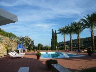 Ruhig gelegene Villa mit exclusivem Ambiente, Diano Castello