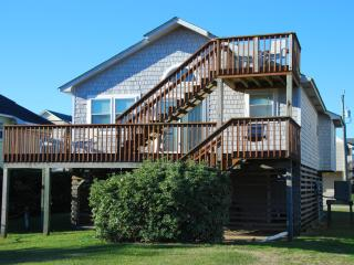 Beach Retreat - 3 BR home, Walk to the beach!