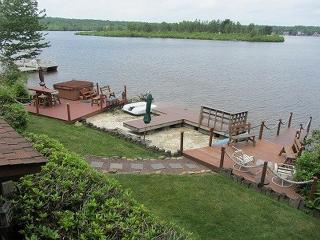 LAKE FRONT Vacation Rental in Albrightsville