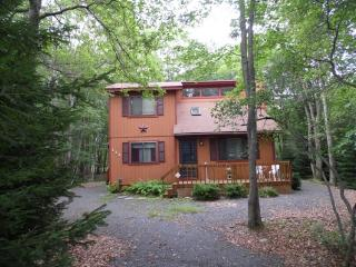 Summer Retreat - 3 Bedrooms located near Major Pocono Attractions