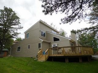 5 Bedroom LakeView! Central A/C and Pool Table Near JF/BB Ski Resort