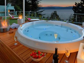Private Jacuzzi with Huge Outdoor area and BBQ!!!