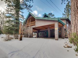 Casual and rustic two story cabin - just one mile from Snow Summit, Big Bear Region