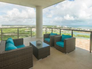 Penthouse With Amazing Ocean Views, Cancún