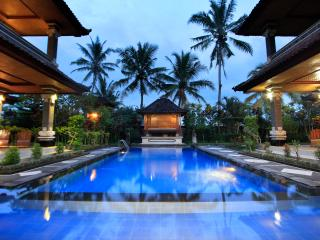 6-Bedroom at Villa Agung Khalia - Great for Groups