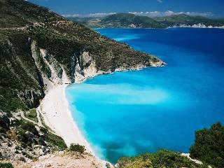 KEFALONIA ISLAND Villa+pool  beach Sleeps 5, Argostolion