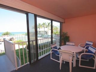 Beachfront, Private Balcony Stairs to Pool, Hot Tub, Tennis, BBQ, Free Wi-Fi & C