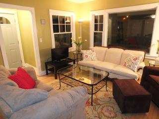 Agape Restoration Cottage - NEW LISTING!!!, Frankfort