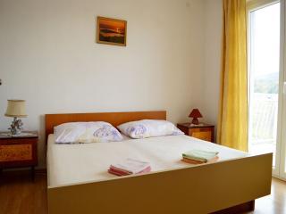 TH01230 Apartments Stilinović / Two bedrooms A2, Tisno
