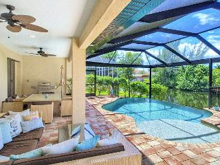 Stunning villa with pool & terrace, Cape Coral