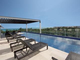 Stunning Coco Beach Luxury Condo - Terraza 105, Playa del Carmen