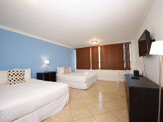 Collins Apartments by Design Suites Miami 1715, Miami Beach