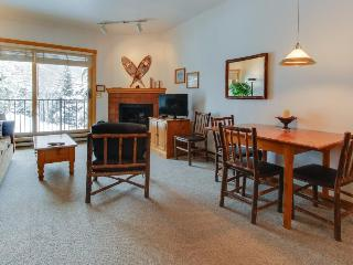 Ski-in/out condo with community pool & hot tub!, Steamboat Springs