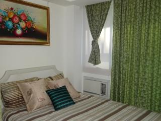 1BR Ground Lvl, Near pool side, Paranaque