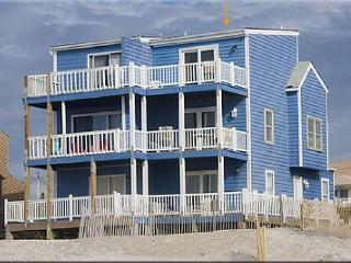 Blue House -True Oceanfront, Unobstructed View., North Topsail Beach