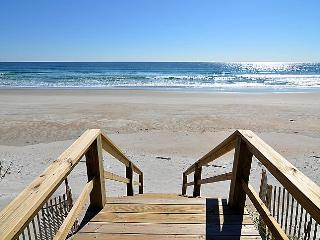 Barnacle - Oceanfront with Gorgeous Views, Pet Friendly, Spacious Deck, Topsail Beach