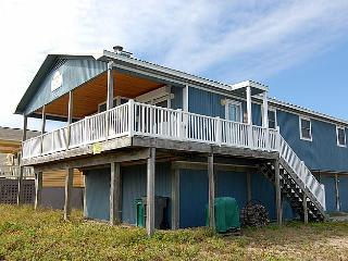 Pelon -  Quaint Second Row Home with Ocean Views, Near Beach Access!