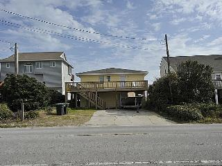 P.R.'s Retreat - Wondrous Oceanfront View, Fantastic Location, Pet Friendly