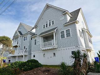 Sea For Yourself - Fabulous Ocean View, Cheerful Decor, Hot Tub, Community Pool, North Topsail Beach