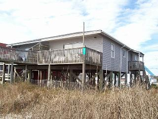 Island Delights II - Excellent Oceanfront View, Pet Friendly, Simple Design, Surf City