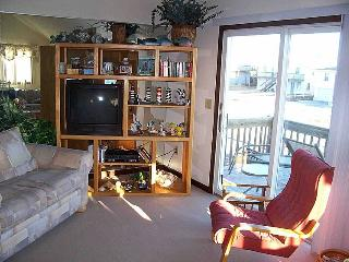Daughtry - Second Row with Ocean Views. Near Beach Access & Shopping