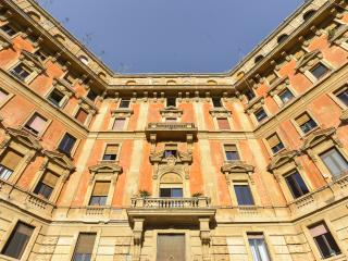 Stylish condo at Castel Sant'Angelo St. Peter 4ppl, Rome