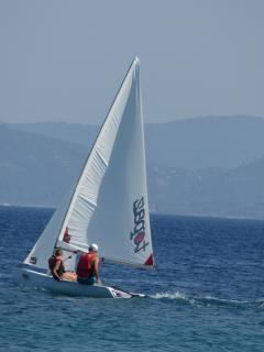 Dinghy sailing fun at Mikro beach.