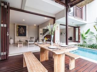 well appointed 2 bedroom Bali Deli Villa