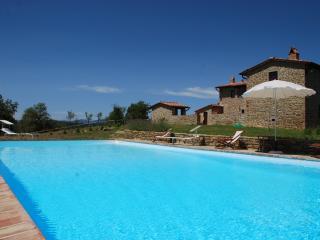 Affordable Farmhouse with Pool near Siena, Asciano