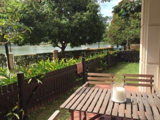 Riverview Apartment, Singapur