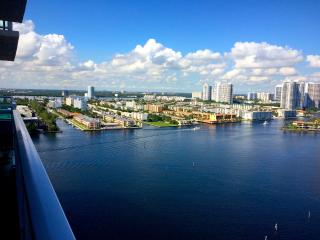 Waterfront luxury apart Sunny Isles Beach