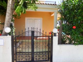 Detached Villa with private pool, beautiful garden, Peyia
