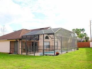 Sonshines Florida Villa, Peaceful Getaway  and Pool