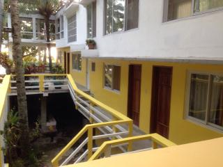 Casa de Cutab Camiguin Guesthouse & Cafe